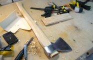 Лайфхак: Как сделать, чтобы лезвие топора держалось крепко и не слетало с рукоятки