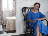 В гостях: Дачный домик 57 кв.м, полный жизни и цвета (22 photos)