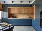 Просто фото: 18 идей для верхних шкафов на углу кухни (18 photos)