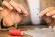 Лайфхак: 9 хитростей, как ловко продеть нитку в иголку, если зрение подводит