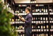 Лайфхак: 6 главных советов от сомелье, как выбрать недорогое, но качественное вино