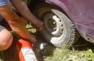 Автомобили: Накачать колесо без насоса: 5 популярных примеров, которыми лучше не пользоваться