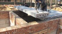 Лайфхак: Почему строители профи при укладке перекрытия используют не арматуру, а рейки из дерева