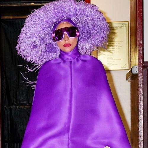Леди Гага первой примерила образ из новой кутюрной коллекции Valentino