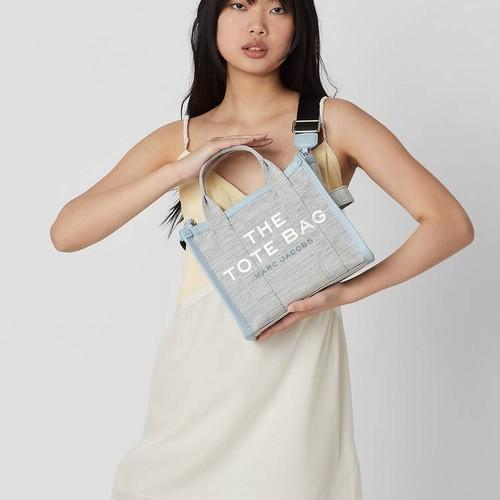Marc Jacobs представили новую коллекцию сумок