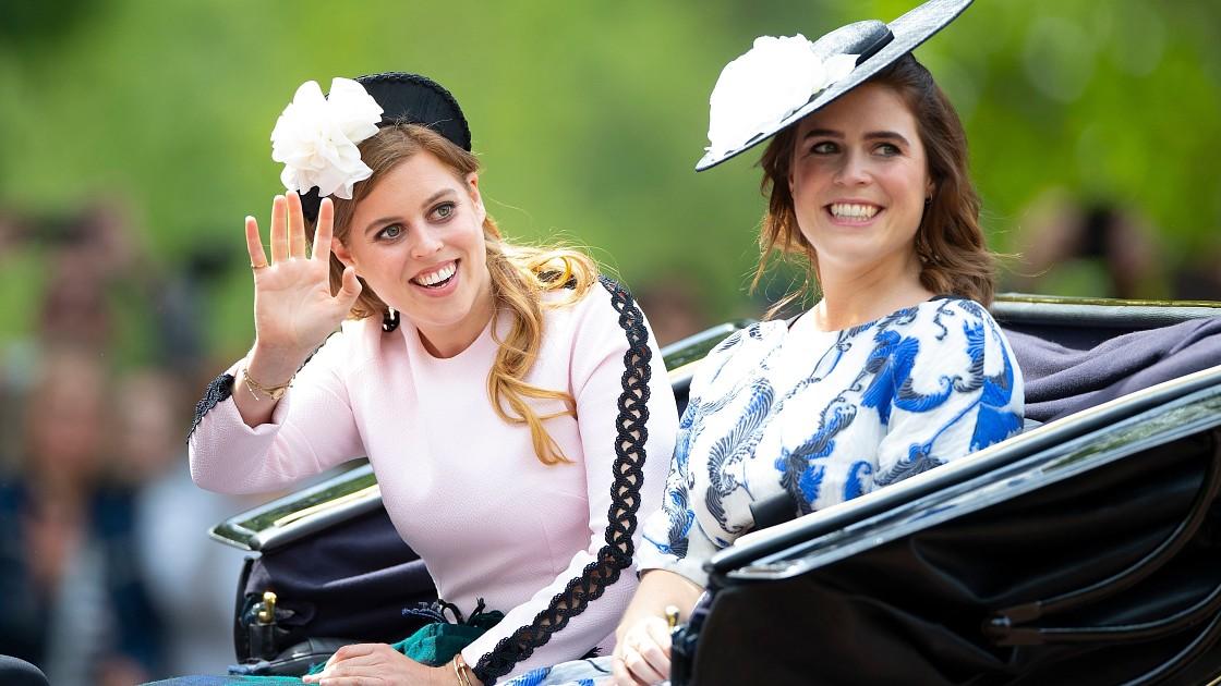 Принцесса Евгения и принцесса Беатрис серьезно поссорились из-за принца Гарри и Меган Маркл