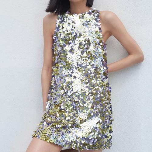 Короткие платья с пайетками — самые модные в будущем сезоне