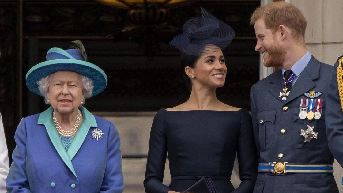 Елизавета II придумала, как отомстить Меган Маркл и принцу Гарри за публичные оскорбления. Подробности!
