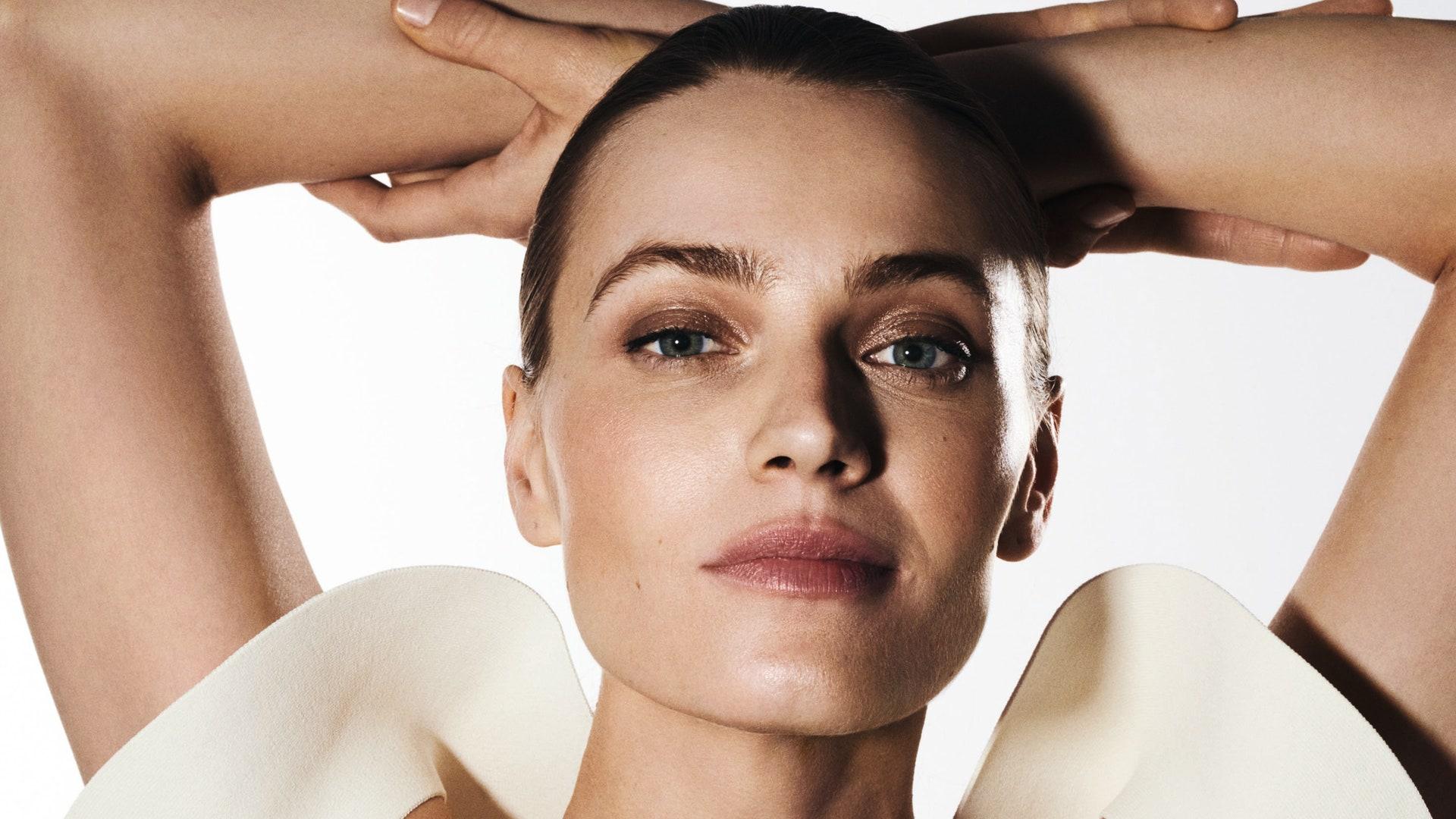 Самые эффективные процедуры для лица, тела, волос и зубов — большой гид Vogue