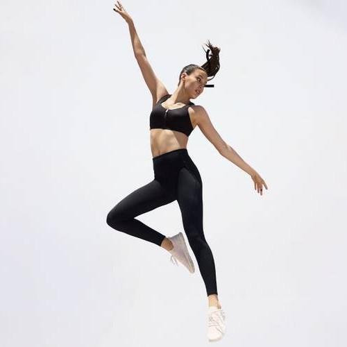 Victoria's Secret перевыпустили линейку спортивной одежды