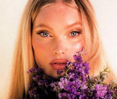 Эльза Хоск и La Bouche Rouge представили новую коллекцию экологичной косметики